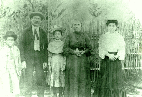 Canestrari Family in Barton, Arkansas