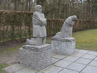 Vladslo German Cemetery - The Grieving Parents